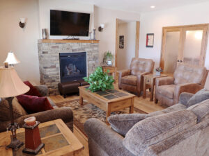 Greystone Living Room1 Facility Tour senior living